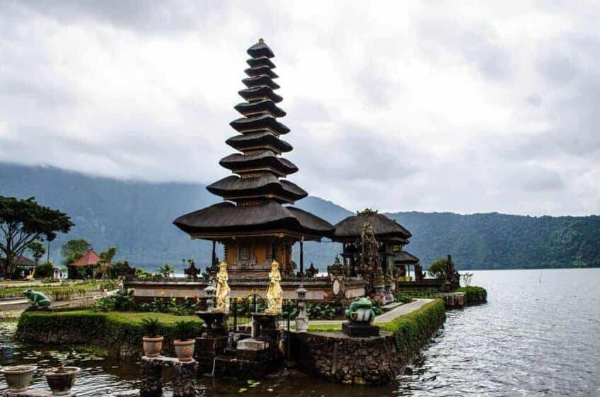 Le temple du lac Bratan