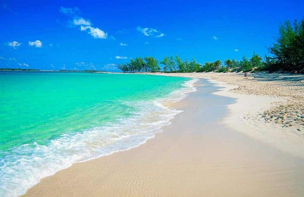 plage-paradisiaque-bahamas