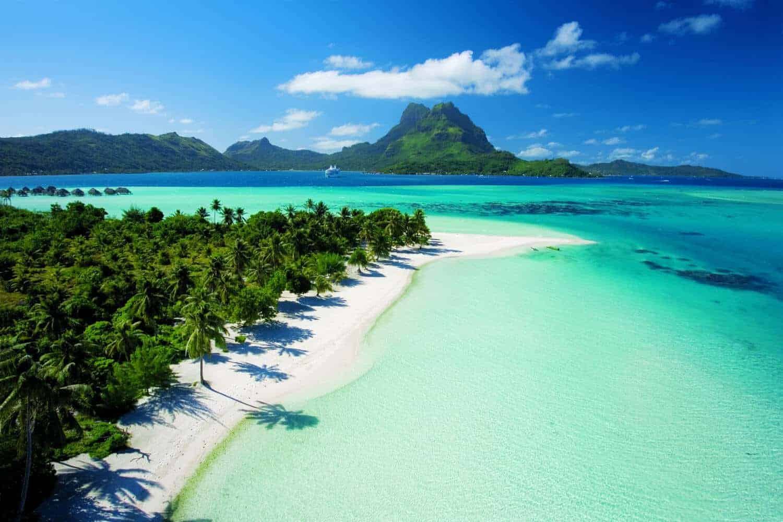 Plage paradisiaque de Bora Bora