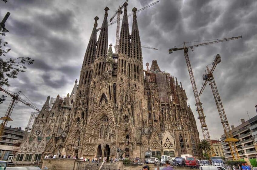 sagrada-familia-en-construction