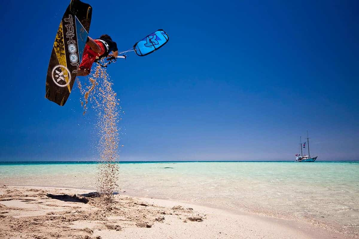 Où trouver les meilleurs spots de kitesurf ?   VoyageAvecNous
