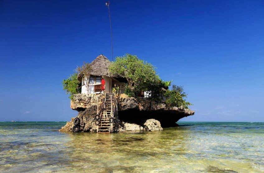 tanzanie-le-restaurant-the-rock-zanzibar