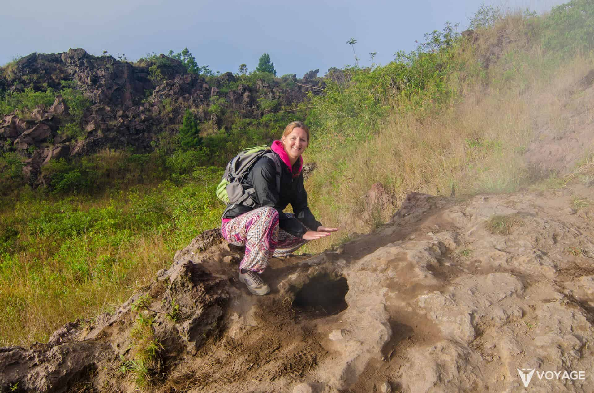 vapeurs volcan mont batur