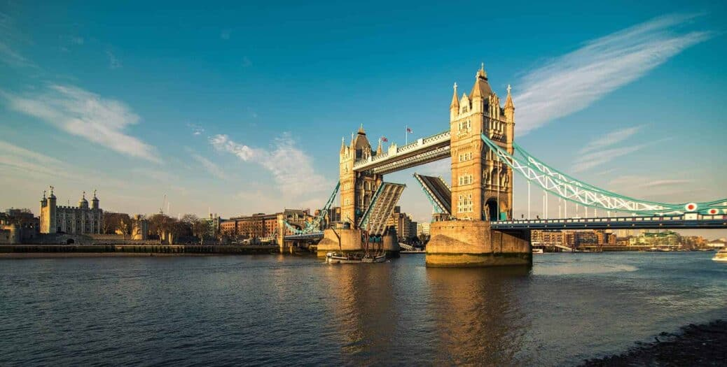 tower bridge londres