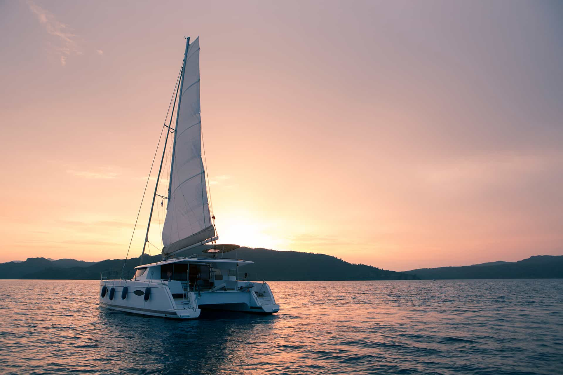 catamaran santorin