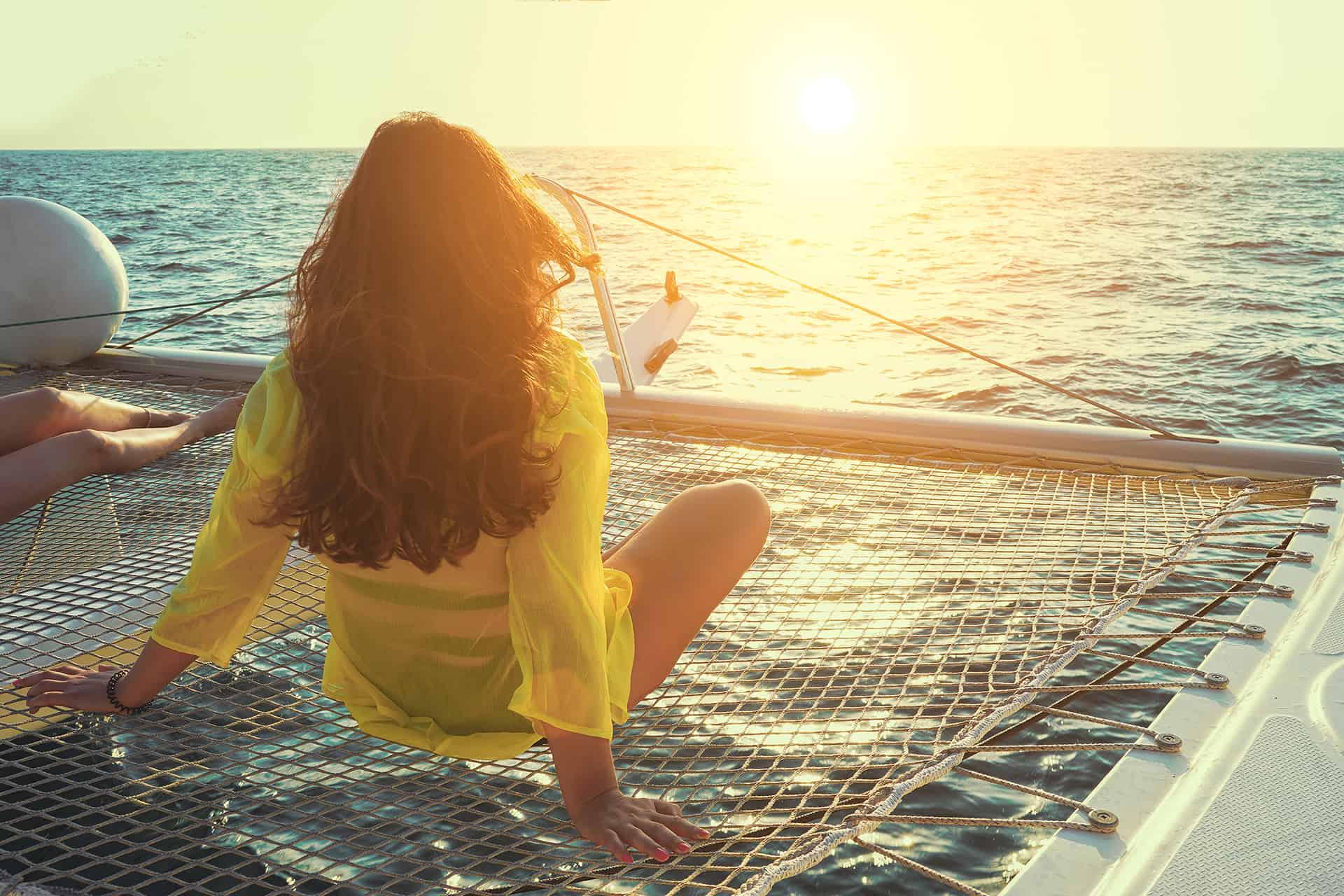 catamaran coucher de soleil