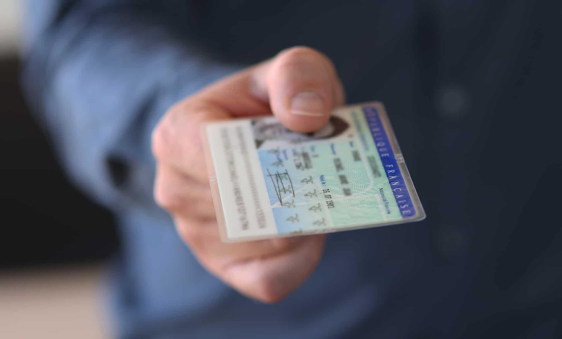 carte identite perimee angleterre