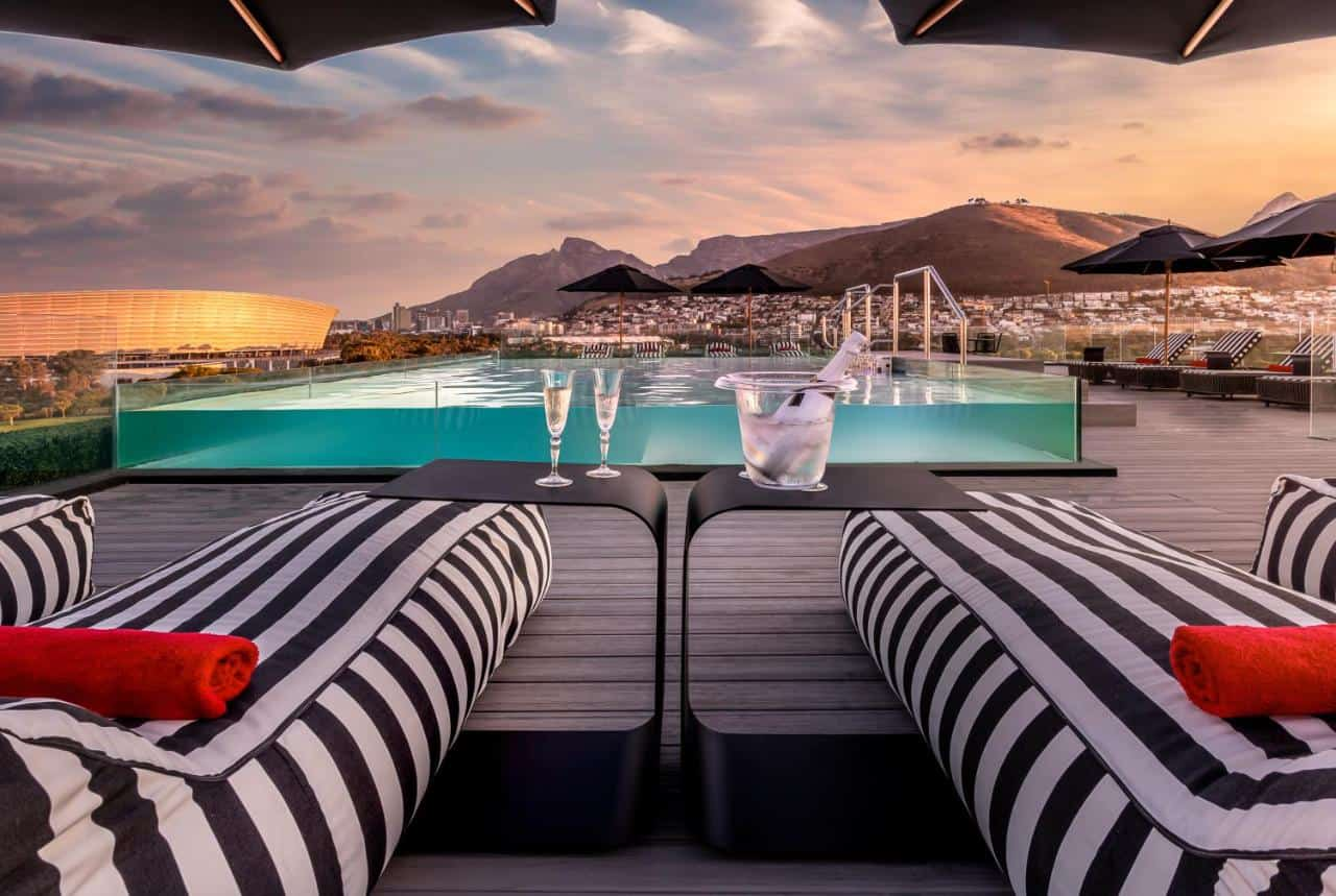 o two hotel mouille point